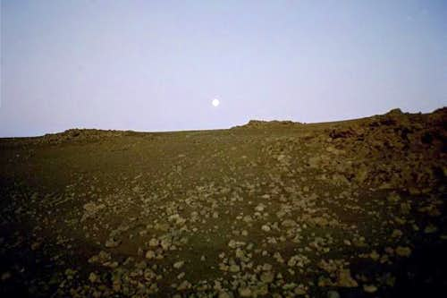 Moonset over Mauna Kea- 17...