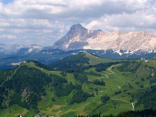 ski slopes in Val Badia