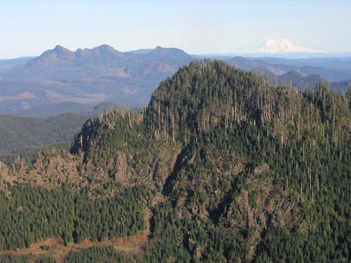 Saddle Mountain and Rainier from