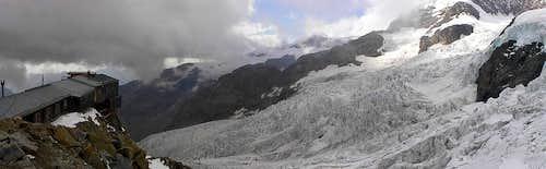 Monte Rosa - Capanna Gnifetti mt.3647 - Italia-(09-2004)