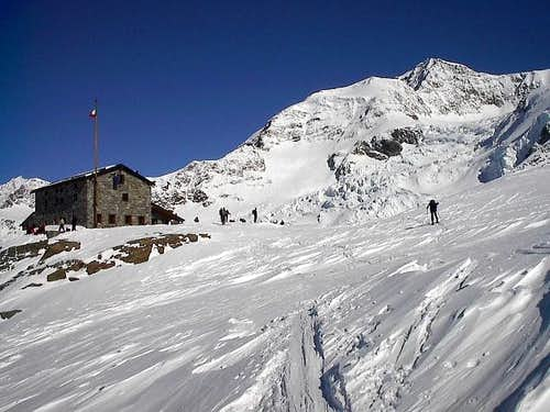 Monte Rosa - Rifugio Mantova mt.3500 - Italia (04/2005)