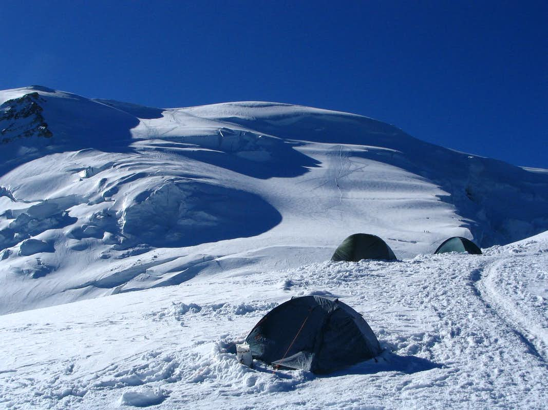 The route which goes to Monte Bianco from Aig. du Gouter.7/2005