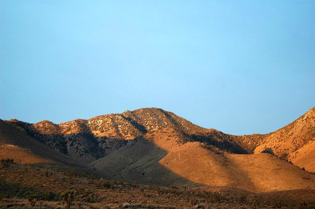 Morris Peak from Indian Wells Canyon