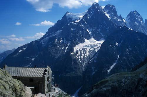 Refuge du Glacier Blanc (2543m)