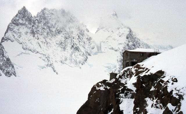 Refuge des Ecrins, 3170 m...