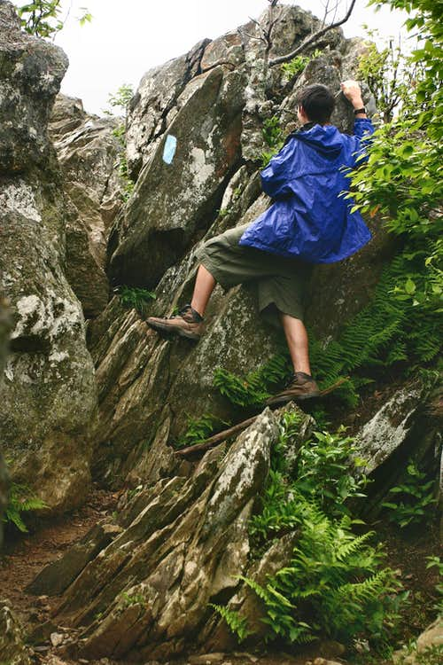 Bouldering to Bearfence Mountain