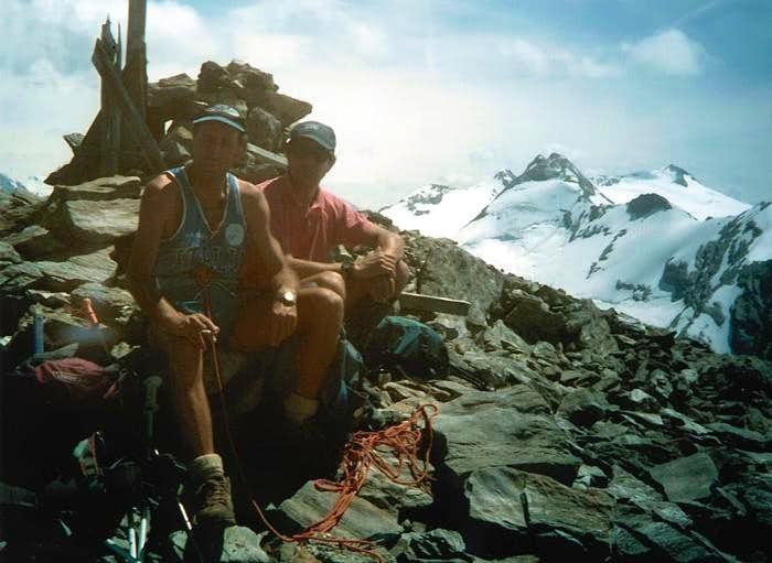 From the Summit of Paramont <i>(3301m)</i > to S-SW or Rutor's Group