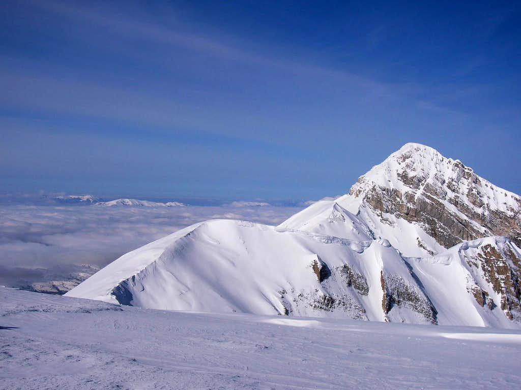 On the wide ridge