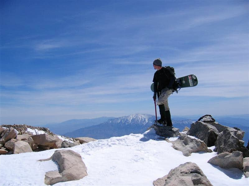 Ascent of San Gorgonio - snowboarding down