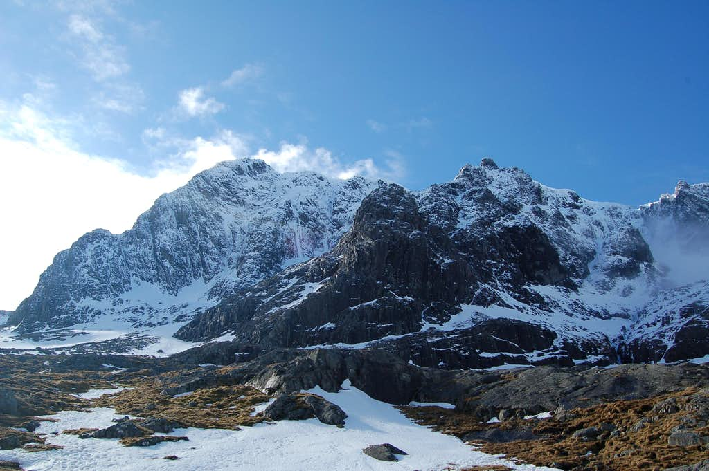 Tower Ridge and NE Buttress from the CIC hut