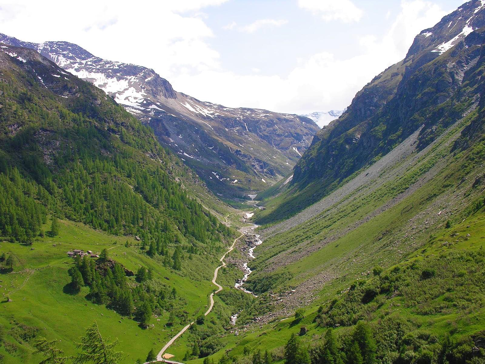 One-week trip around Castles Churches and Shrines: High South Valley (Valgrisa/La Thuile) / D-2