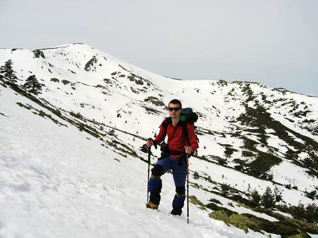 Going up to north face of Cabeza de Hierro Mayor