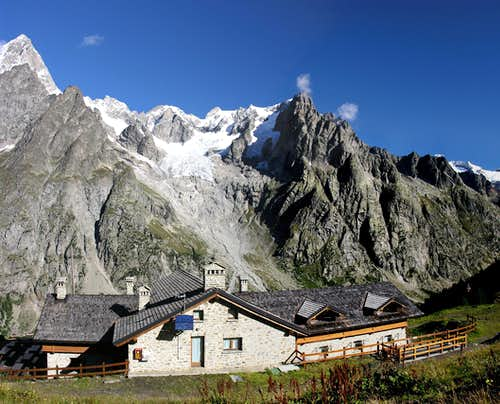 Tronchey ridge, Grandes and Petites Jorasses, <br>Aiguille de Leschaux,  Mont Greuvetta Group