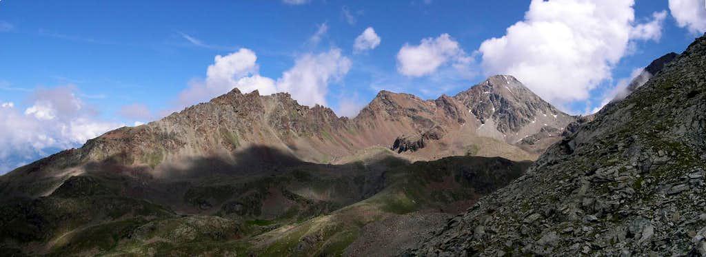 Monte Emilius and the ridge between Vallone di Comboè and Comba di Arbolle