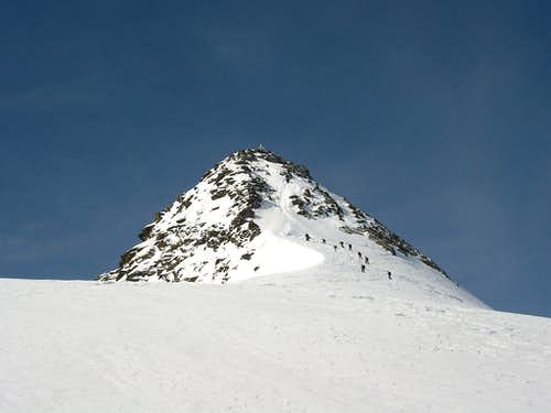 Final section of the standard ski route to Zuckerhuetl
