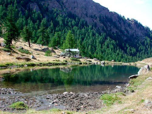 The small lake of Comboè <i>2100m</i>