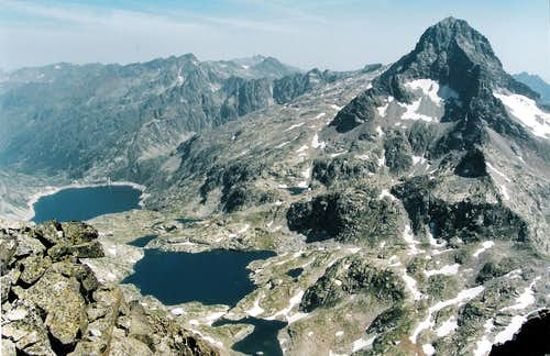 The Mighty Palas, the lakes of Artouste and Arremoulit, seen from the Pic d\'Arriel