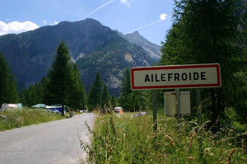 Ailefroide-village