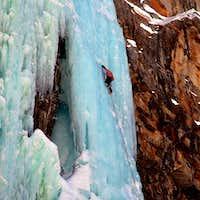 Iceclimbing in Italy