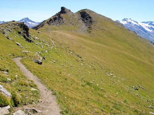 Punta Tzavanis <i>2815m</i> from the trail descending from Pointe Tsasetze