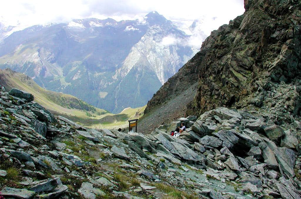Colle Garin <i>2815m</i> and the upper part of Vallone di Arpisson (Cogne)