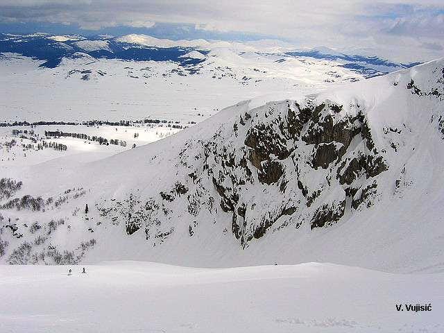 Snowboarding on Savin Kuk