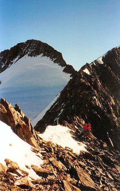 Gross-Grünhorn from the fore-summit Grünegghorn