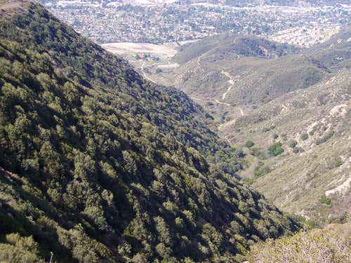 View from Crescenta View Trail looking back down at Deukmejian Park