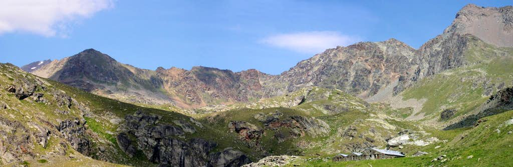 The ridge between Colle di Laures <i>3036m</i> (left) and Punta di Leppe <i>3305m</i> (right)