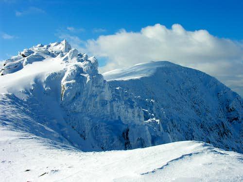 Heavy rime on the ridge to Carnedd Dafydd