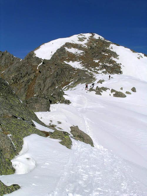 East ridge to Montardo