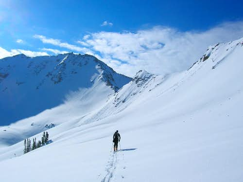 Skinning towards White Baldy