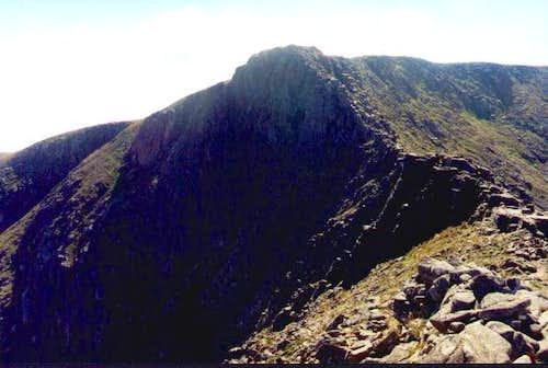 Looking up the Fiacaill ridge.