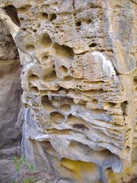 Interesting Rock design (Crack in the Ground)