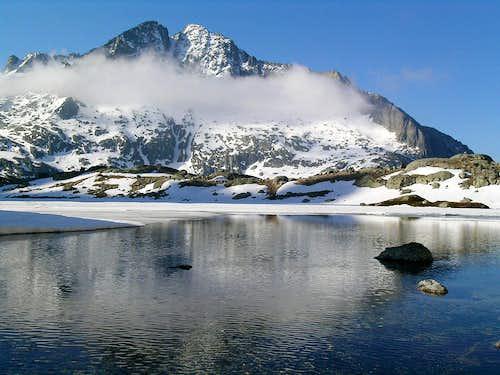 Twin Peaks of Comalespada