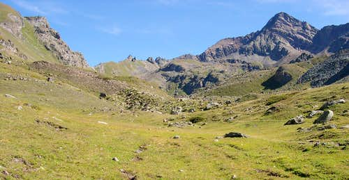 The ridge between Vallone di Arpisson <br>(di Cogne) and Vallone di Arbolle