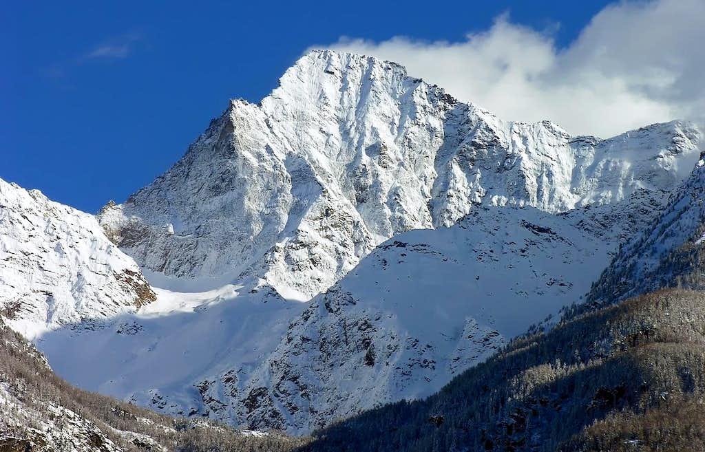 N. Wall of Monte Emilius <i>3559m</i> <br>and  the Black Triangle <i>3378m</i> of Emilius