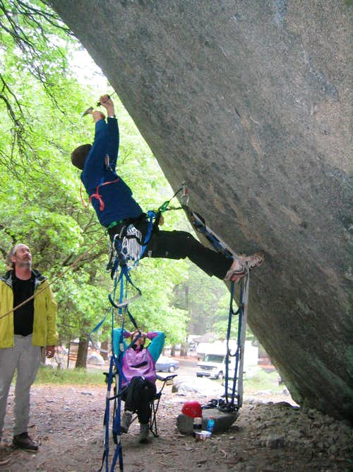 Fixing the 2nd bolt on the LeConte Boulder