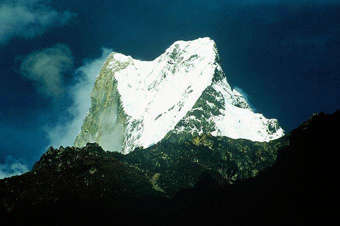 Machhapuchare as seen from trekking route to Annapurna BC