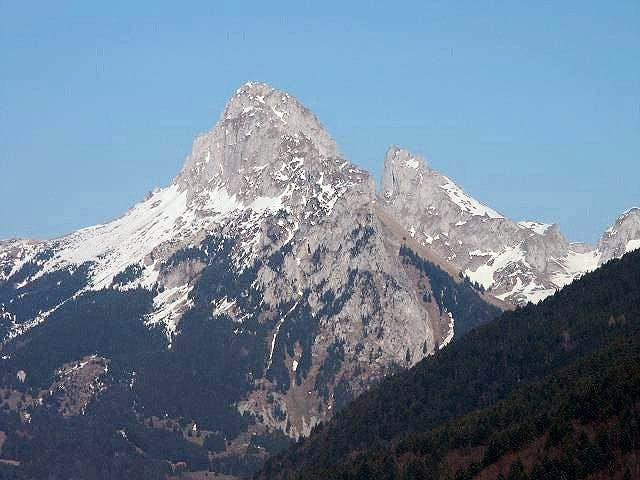 Dent d'Oche and Chateau...