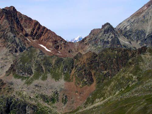 Punta Rossa dell'Emilius, Colle di Arbolle, <br>Punta and Passo dei Tre Cappuccini