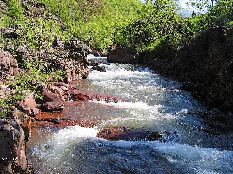Temstica River
