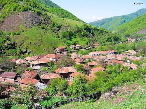 Topli Do village