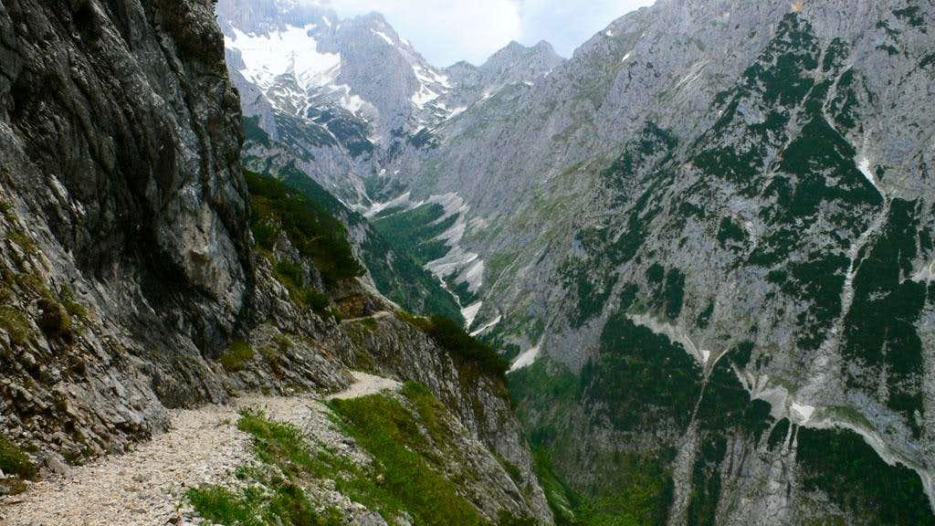 Into the Höllental