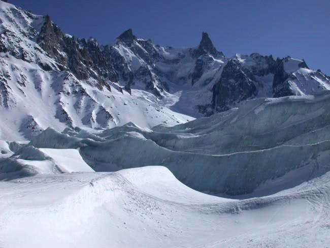 Seracs along Vallee Blanche...