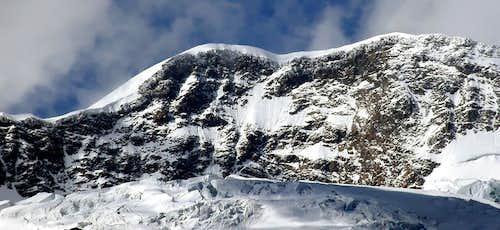 Il Lyskamm occidentale W. (4480 m) and orientale E. (4527 m)