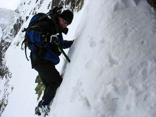 Climbing in a couloir to Jahnacy Stit