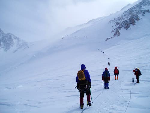 Traverse to Denali Pass