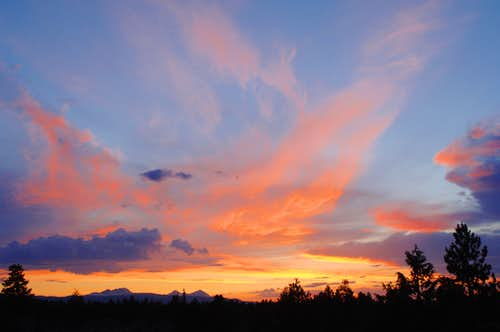 tonight\'s sunset over the Cascade Crest