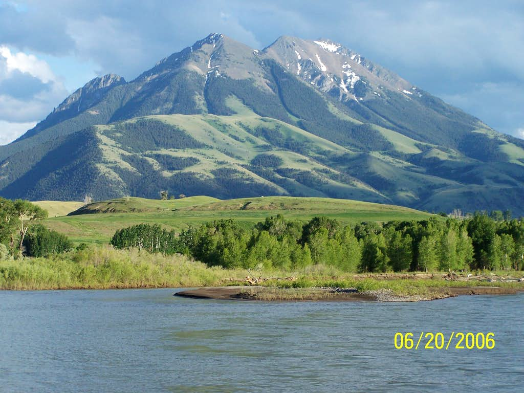 Emigrant Peak and The Yellowstone River